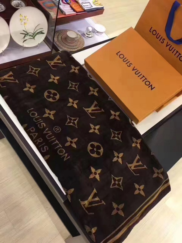 Louis Vuitton Monogram Classic Beach Towel M72364